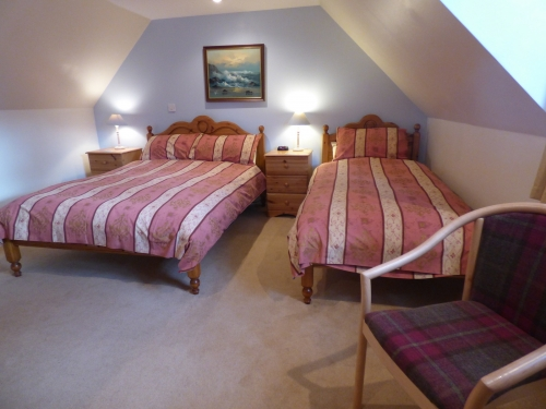 Folds Bedroom 1 - twin or double room upstairs with a double and single bed
